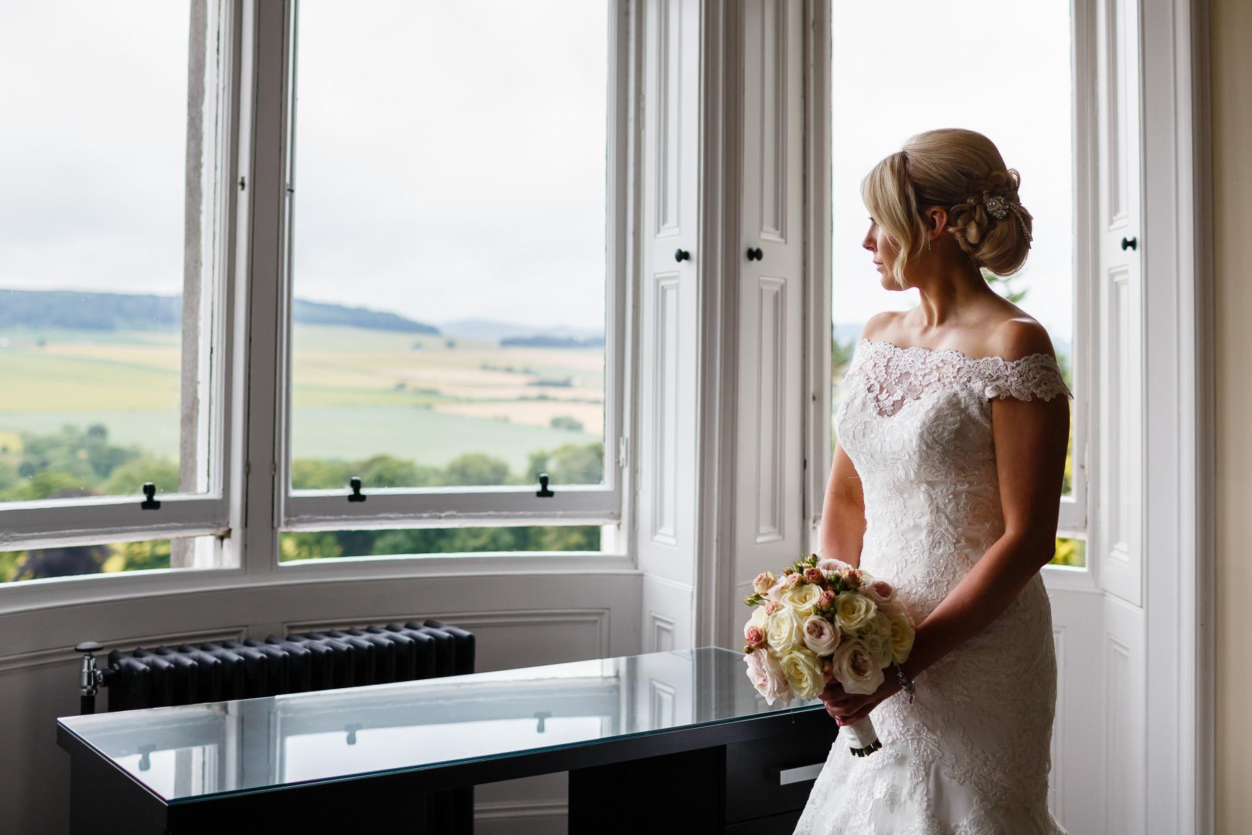 wedding photographer Forfar Angus Dundee fun natural relaxed documentary destination Kinnetles Castle
