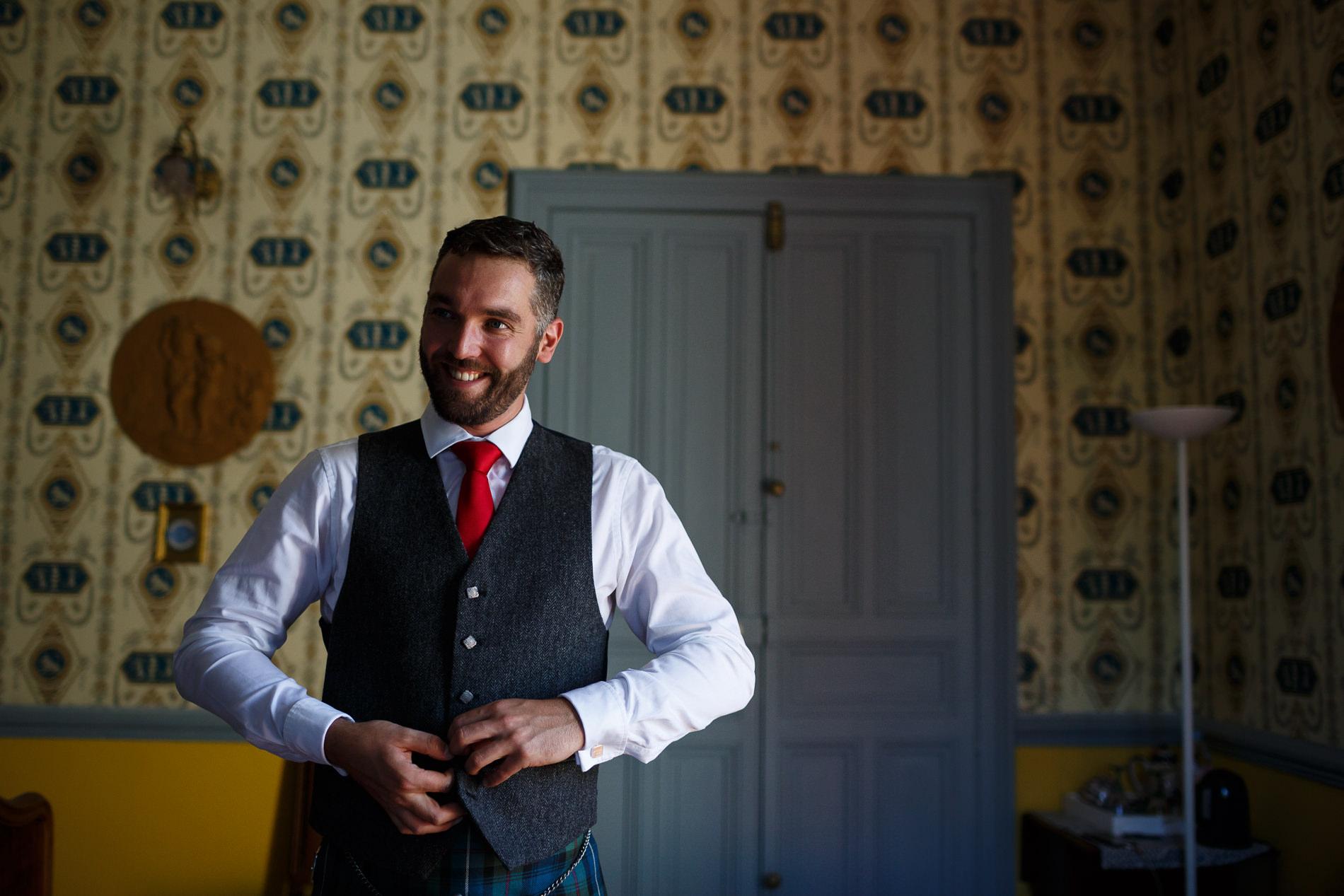 Wedding photographer Destination France Saint Florent le vail Dundee forfar documentary Scotland Barry Robb Photography