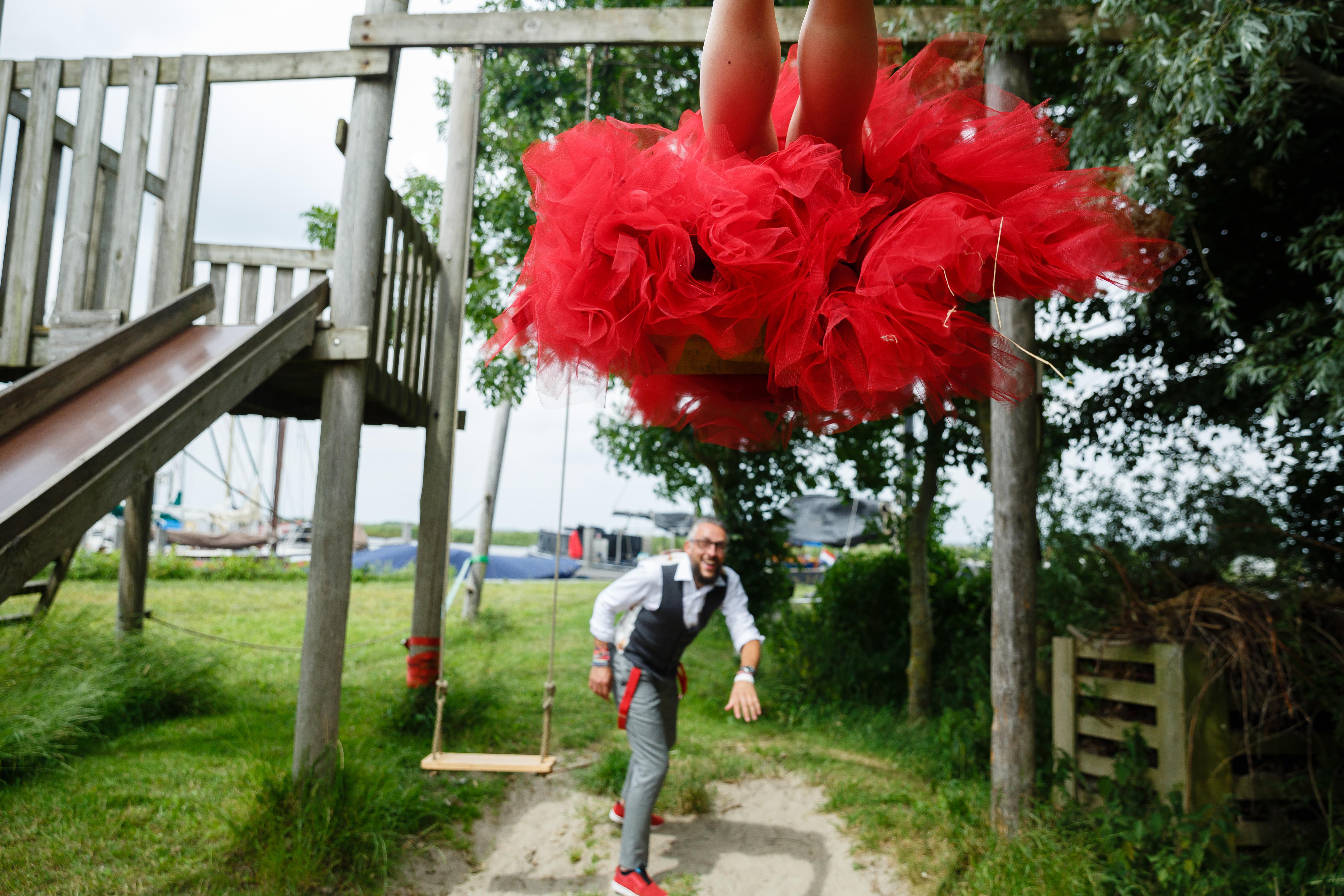 wedding photographer destination holland Dundee natural documentary