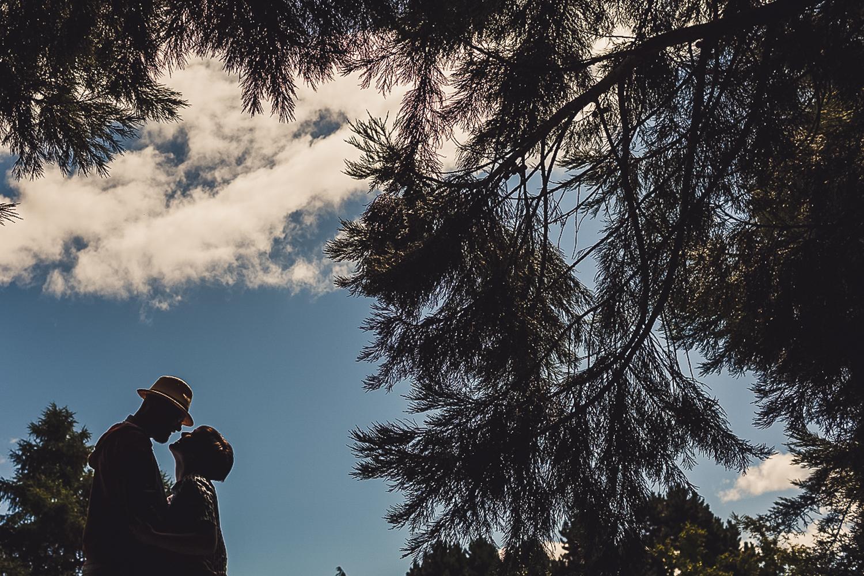 Edinburgh wedding photographer pre wedding photoshoot natural unique photo